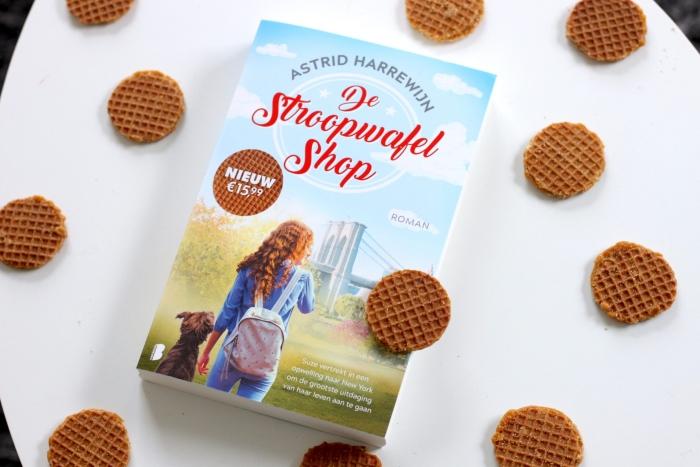 Astrid Harrewijn signeert haar nieuwe boek De stroopwafelshop Boekhandel Jaspers © BDU media