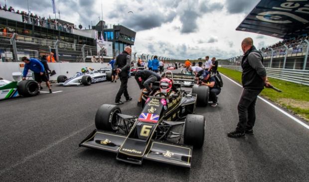 <p>Formule 1 piloten gereed voor de strijd.</p>