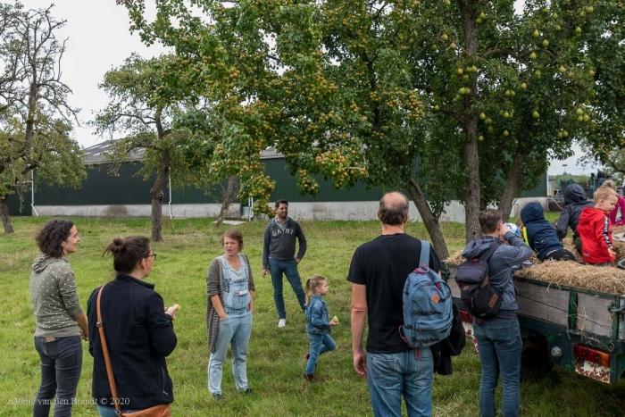 Aan 1 boom 2 soorten fruit René van den Brandt © BDU media