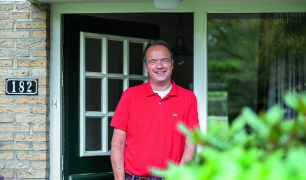 <p>Edwin de Voer is weer thuis. Hij verbleef vijf weken in het ziekenhuis en nog eens drie weken in een revalidatiecentrum.</p>
