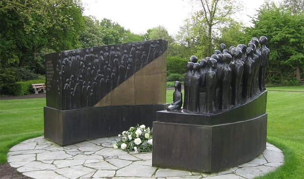 <p>Het Indi&euml;-monument in het Broersepark</p>