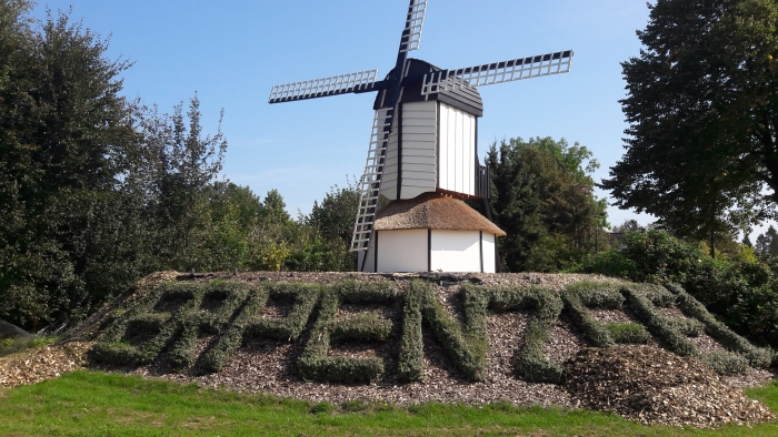 De molen die nagemaakt is van de vroegere molen in de Molenstraat