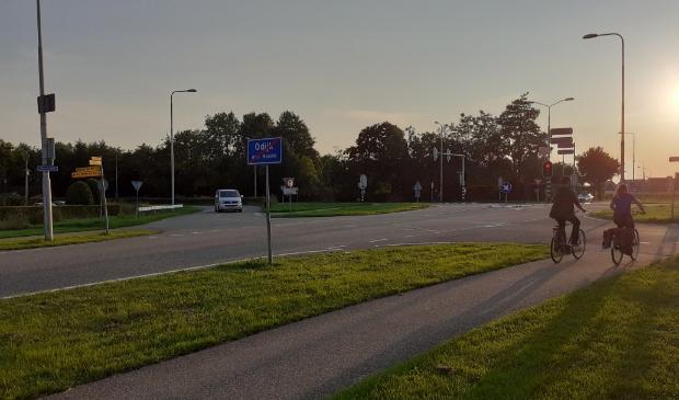 <p>Het kruispunt Zeisterweg - Werkhovenseweg in Odijk, waar het ongeluk gebeurde</p>