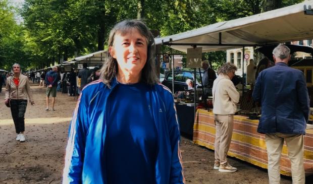 <p>Alice de Nijs, organisator van de Antiekmarkt op de Dreef.</p>