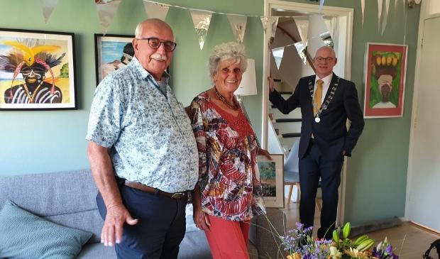 Eddy en Christel werden vereerd met een bezoek van burgemeester Isabella op hun 60ste trouwdag