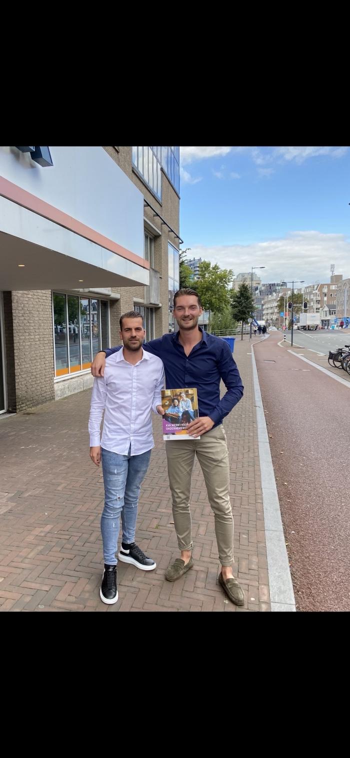Tim Lodder (links) Rick Vd Kant (rechts) 10sep officieel van start gegaan en ingeschreven bij de KVK