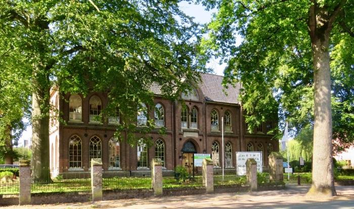 Huize St. Jozef, voormalig klooster uit 1868, waarin o.a. Museum Soest en Artishock