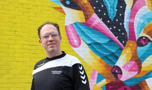 <p>Jan Baan is als jongerenwerker betrokken bij welzijnsorganisatie Malkander in Ede. ,,We zijn ook de komende tijd veel op straat te vinden.&quot;</p>