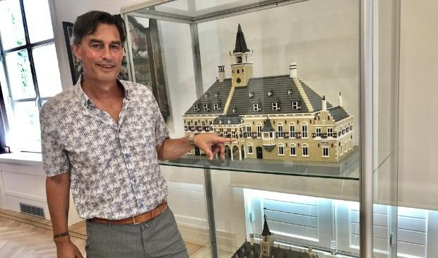 <p>De maquette van het voormalige Gorcumse stadhuis is - in Lego - gebouwd door Gorcumer Eduard Roza.</p>