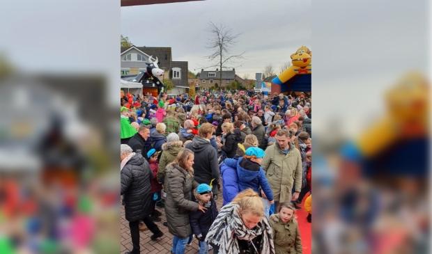 <p>Drukte tijdens Hooglandse Sinterklaasfeest vorig jaar.</p>