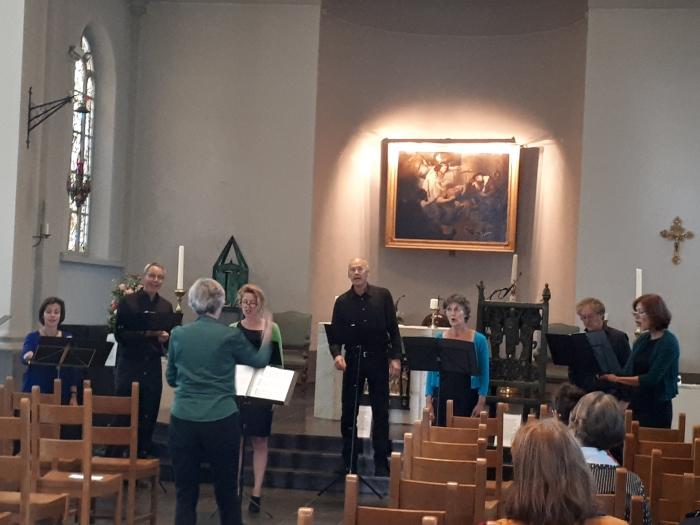Vocaal ensemble AchtPlus afgelopen zondag  in Sint Petrus'Bandenkerk