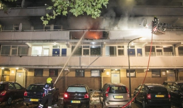 <p>De brand in de Rudolf Steinerstraat, waarna het lichaam van de zeven maanden zwangere vrouw werd gevonden.</p>