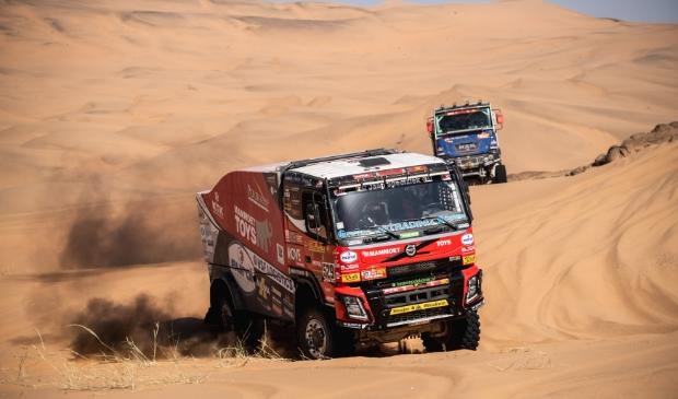 <p>Mitchel van den Brink in actie tijdens de tweede etappe in Saoedi-Arabi&euml;.</p>