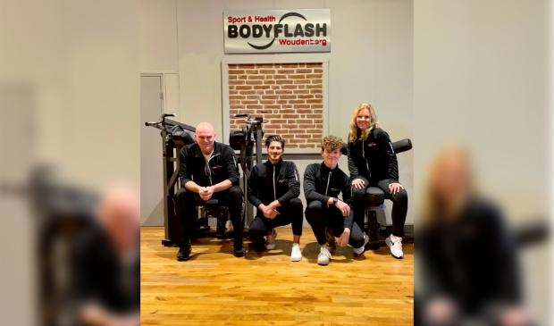 <p>Kees, Wingman John Weststrate, zoon Hugo en Margriet Vink van Sport & Health Bodyflash in Woudenberg.</p>