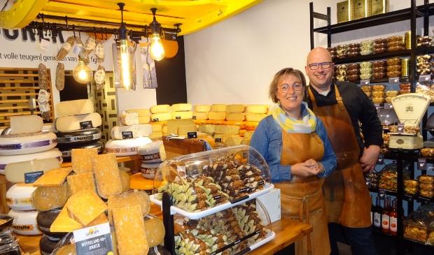 <p>Monica en Johan Benard</p><p>Savourer Delicatessen</p><p>De Linie 52</p><p>4208 DE Gorinchem</p><p>www.savourer.nl</p><p>info@savourer.nl</p>