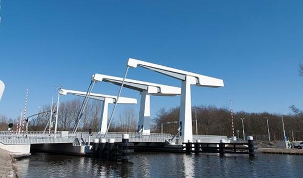 <p>De Bosrandbrug kan niet meer open voor scheepvaartverkeer.&nbsp;</p>