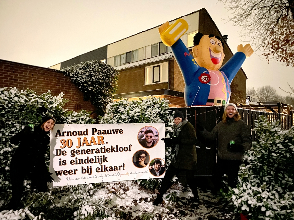Homies verrassen Arnoud Erik van den Broek © BDU media