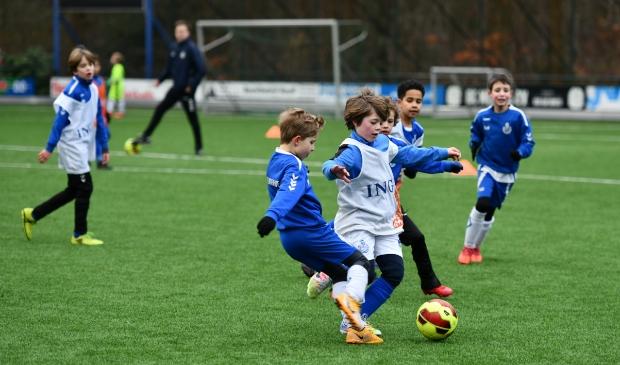 <p>Als Oranje ver komt op het EK, is de kans groot dat veel jonge jongens en meisjes zich aanmelden bij een voetbalvereniging.</p>