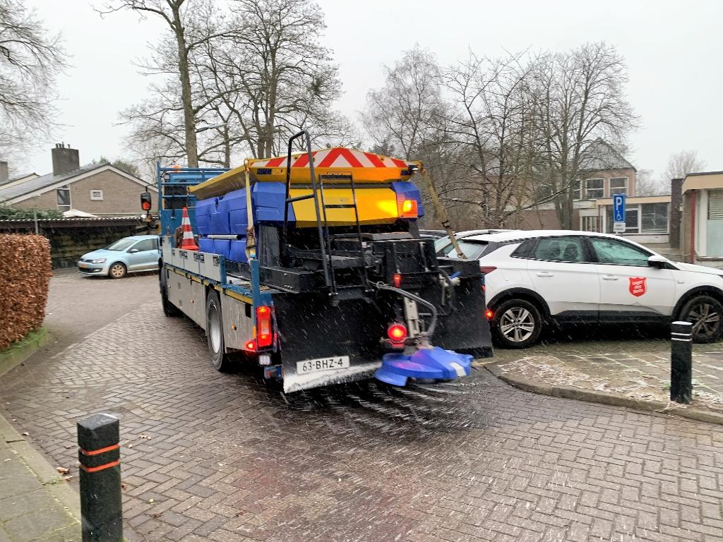 <p>De eerste sneeuw viel en er werd 11 miljoen kilo zout gestrooid in Nederland.&nbsp;</p> Baarnsche Courant  © BDU media