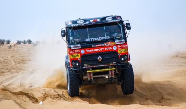 <p>Martin van den Brink reed een sterke zesde etappe in de Dakar Rally. Het team staat zevende in het klassement.</p>