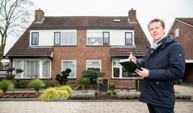 <p>Makelaar Hans van Wolfswinkel van Wolfsgoed Makelaardij taxeert jaarlijks meer dan honderd woningen in de regio Barneveld.</p>