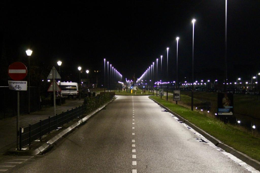 Geen verkeer op de Venneperweg. Ton Dijkstra © BDU media