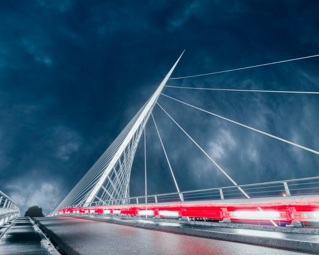 De Calatravabruggen zijn een geliefd onderwerp voor fotografen, Jeremy Mahadew maakte er toch iets bijzonders van.  Jeremy Mahadew  © BDU media