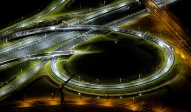 <p>Lege snelweg als gevolg van de avondklok.</p>