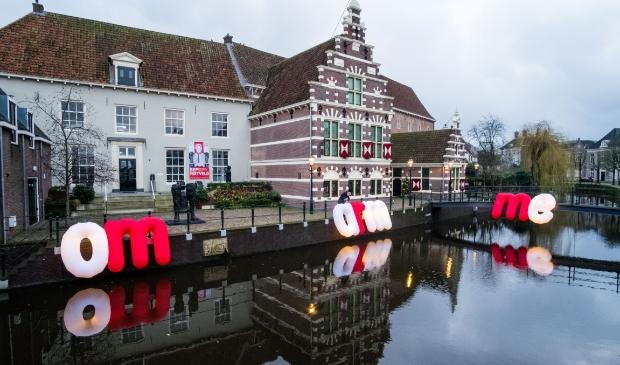 <p>&#39;Het zou mooi zijn als er uiteindelijk een vaste plek komt voor het kunstwerk&#39;, zei stadsdichter Jacques de Waart. In januari prijkte het bij museum Flehite.</p>
