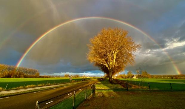 Dubbele regenboog boven Oostromsdijkje
