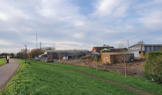 <p>Het terrein waar straks nieuwe woningen worden gebouwd</p>