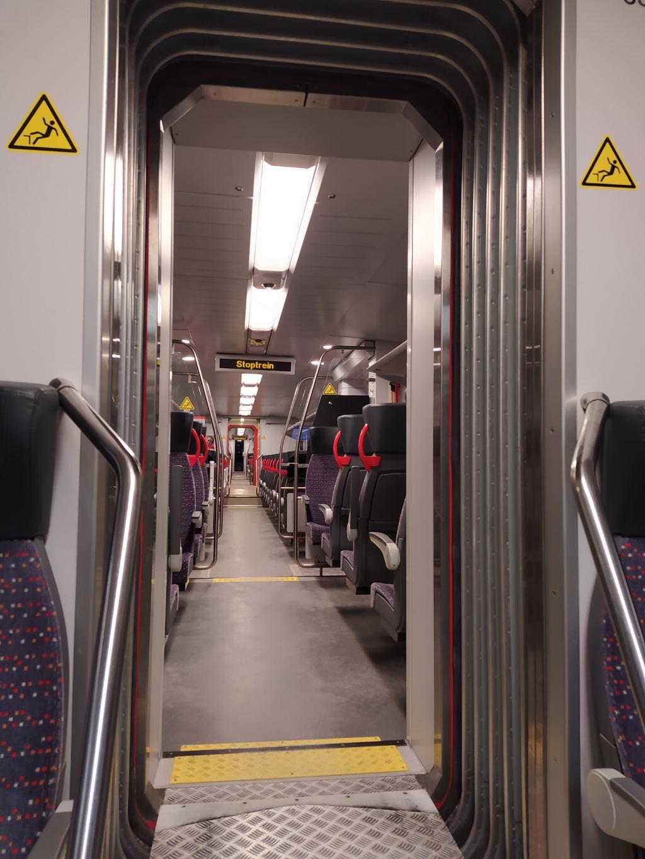 Een lege trein vanuit Gorinchem richting Leerdam Kees © BDU Media