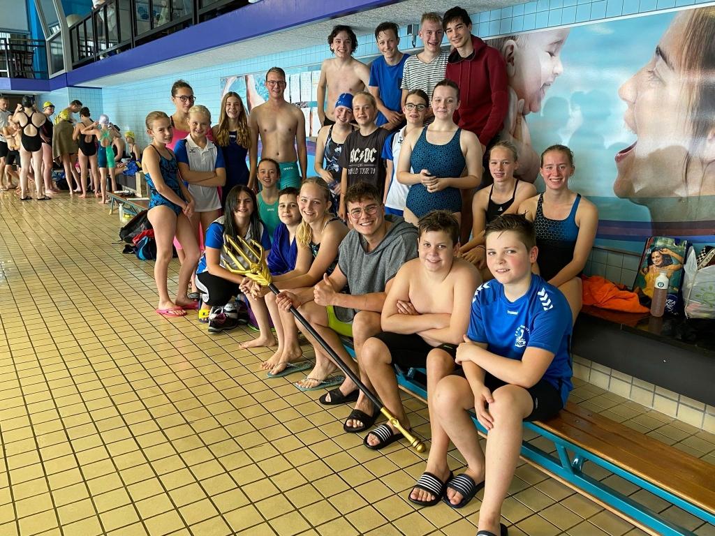 Alle zwemmers die zaterdag meededen. Puk Zandstra © BDU media