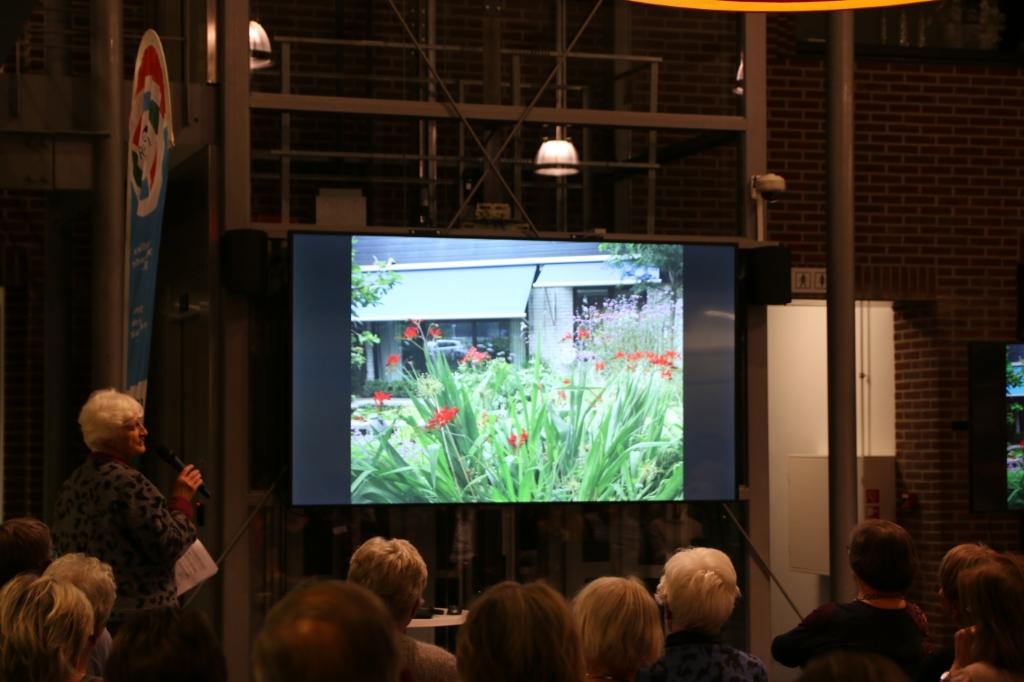 uitleg tuinen Mart Lenoire © BDU Media
