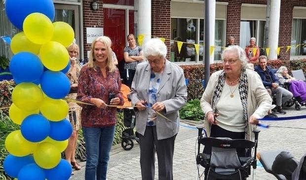 De opening van de 'vergeet-me-niet-route' bij verpleeghuis de Merlinge in Arkel