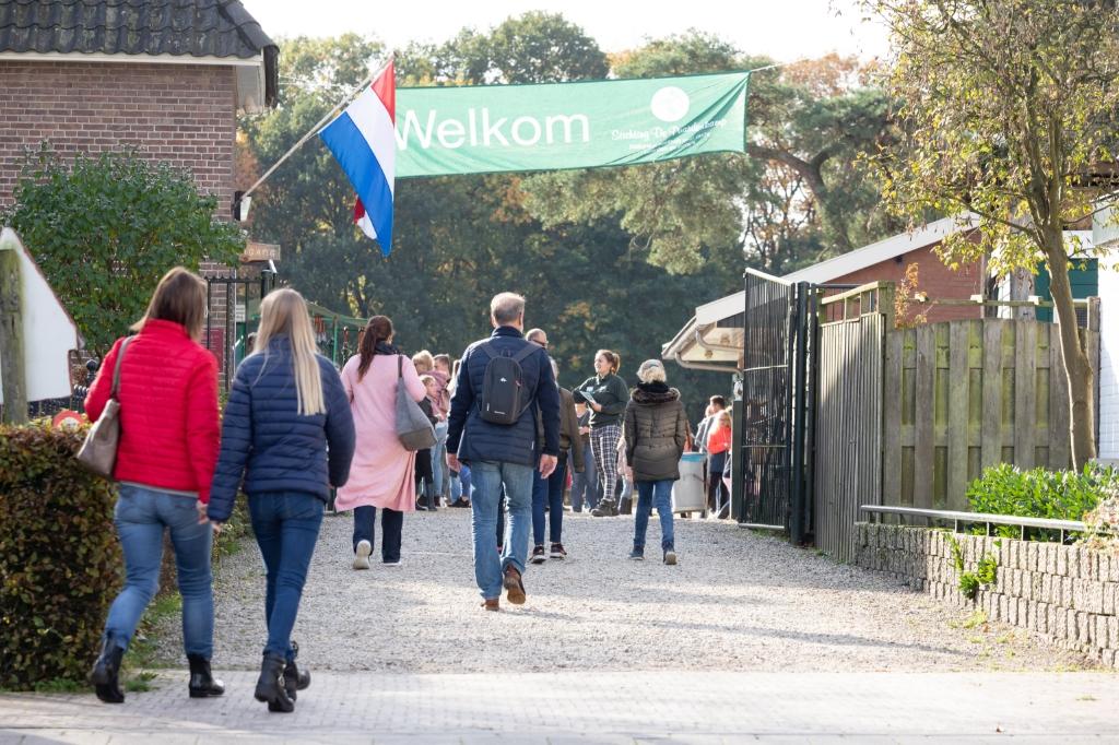 Bezoekers zijn zaterdag 23 weer welkom aan de Birkstraat. De Paardenkamp © BDU media