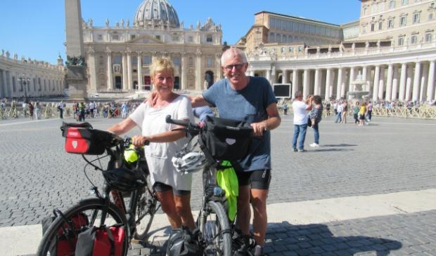 aankomst op Sint Pietersplein Rome