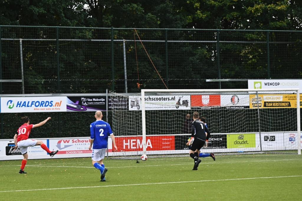 Rood-Wit scoort na 11 seconden 0-1 T. van Bloemendaal © BDU media