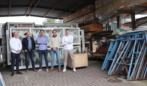 <p>MEGA-Tech wil werknemers kennis laten maken met technische beroepen. Robert Jansen van Elegant ontbreekt op de foto.</p>