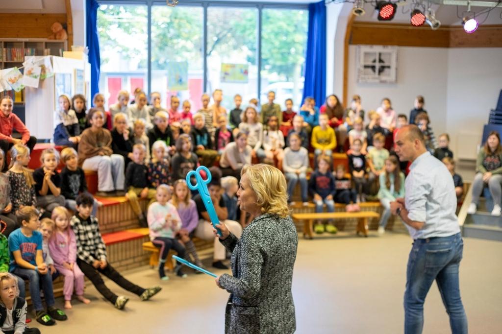 Samen de bibliotheek openen C. Westrate © BDU media