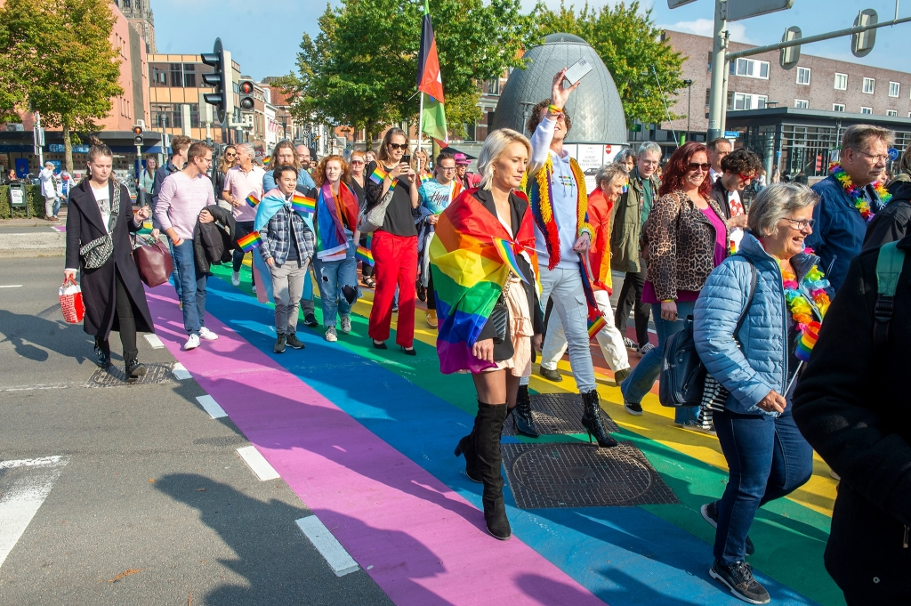 De Pridewalk werd druk bezocht. Rinus van Denderen © BDU media