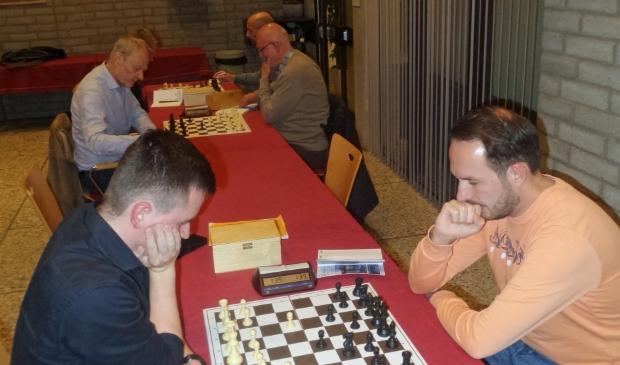 <p>Tim Evendijk (links) voert de lijst aan bij De Cirkel</p>