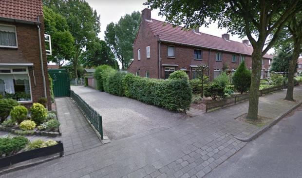 De ingang naar speeltuin Klauterlust, tussen Thomaslaan 8 en 10.