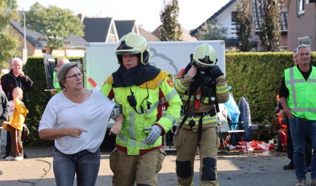 Pompbediende in actie.  William Harthoorn © BDU media
