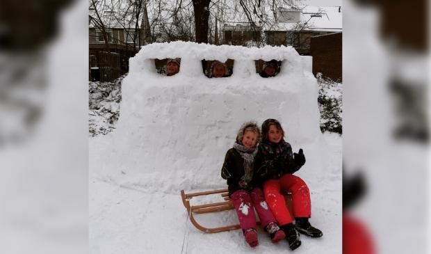 Kids met Sneeuwbunker