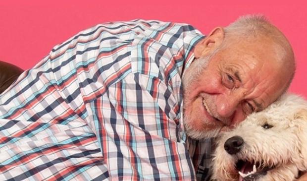 <p>Dieren kunnen een belangrijke rol spelen in het contact met mensen met dementie. </p>