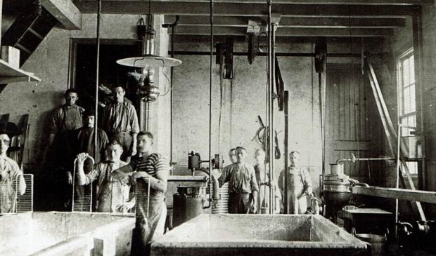<p>Een groep boeren uit de Giessenlanden ging zich eens ori&euml;nteren en besloot een zuivelfabriek te stichten.</p>