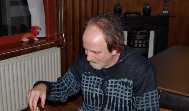 Peter Kraaijeveld heeft het schaken nog niet verleerd