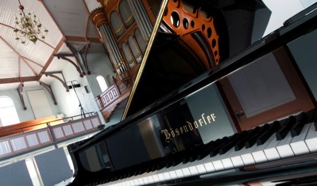 De beroemde Bösendorfer Imperial vleugel in de Edesche Concertzaal kan eindelijk weer onder de beschermhoes vandaan worden gehaald.
