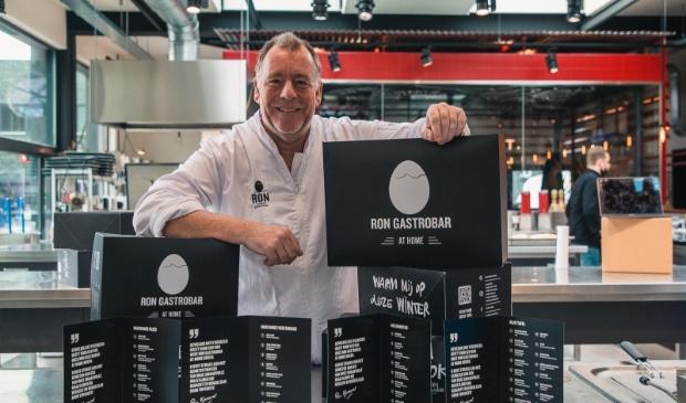 Ron Blaauw maakt hoogwaardige rijsttafels en meer die aan huis bezorgd worden.